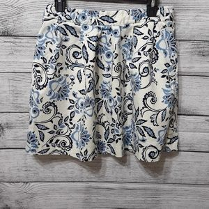 Beautiful Loft Women's Flower Skirt size 4